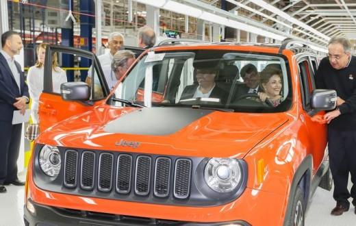 Presidente dentro do carro Jeep Renagade