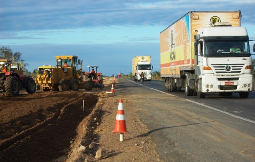 trecho em obras da BR-116, na Bahia